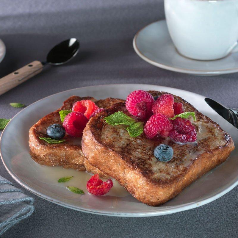 French Toast con chocolate Blanco y frutos Rojos
