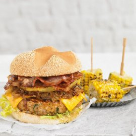 Burger de pollo con piña asada